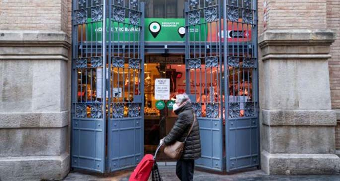 Photo shows the entrance of the Sants market in Barcelona, Spain, May 8, 2020. (Barcelona City Hall/Handout via Xinhua)
