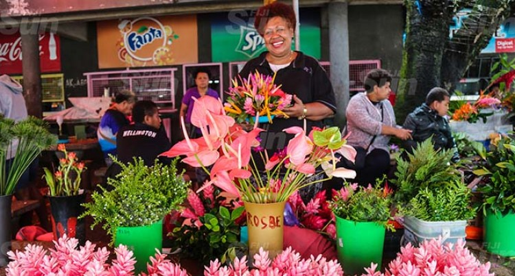 Florist Keeps Mother's Day Alive With Flowers