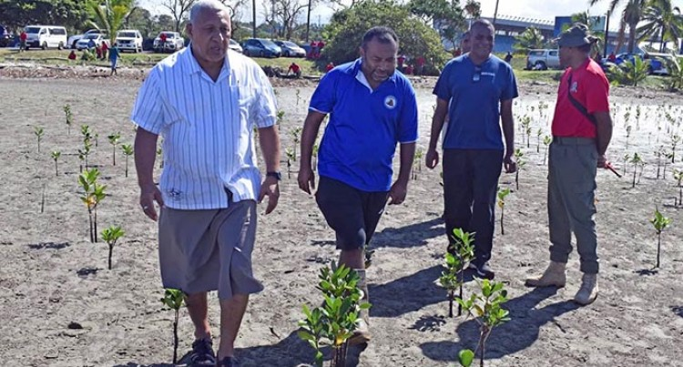 Infantry Week:  Prime Minister Bainimarama Joins 3FIR Planting Activity