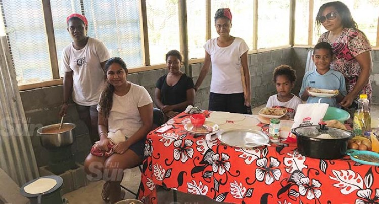 Fiji-Born Australian Citizen Feeds Korociri Children At No Cost