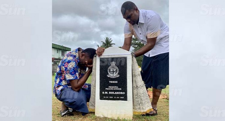 Bolakoro Misses Mum During Headstone Unveiling At Nasinu Cemetery
