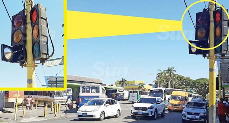 Damaged Traffic Signal Lights Frustrate Lautoka Motorists