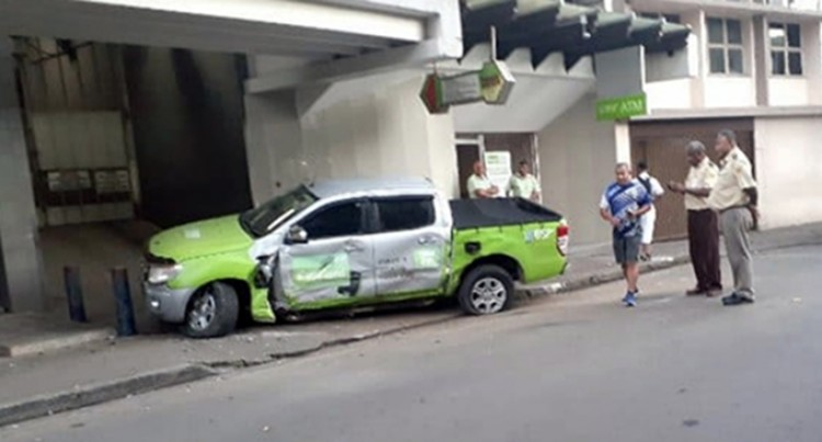 Fiji Police Launch Investigation In to Police Vehicle Accident In Suva Yesterday