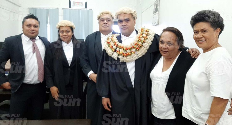 Aussie Law Graduate Admitted To The Bar