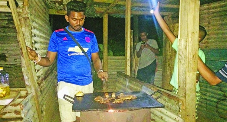 Amazing Fijians: Aspiring Teacher Sells Barbeque To Help Mum
