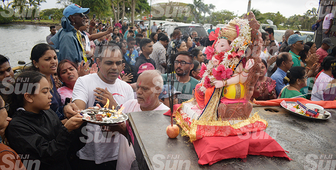 Hundreds of Hindu devotees from Laxmi Narayan Temple during the Ganpati Visarjan (final Lord Ganesh Utsav prayer ritual of farewell of Lord Ganesh idol) at Suva foreshore on September 1, 2020. Photo: Ronald Kumar.
