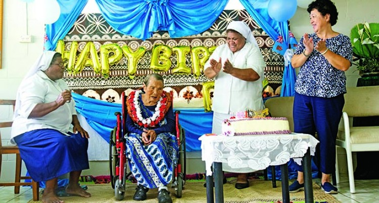 Mary Fong Celebrates 100th