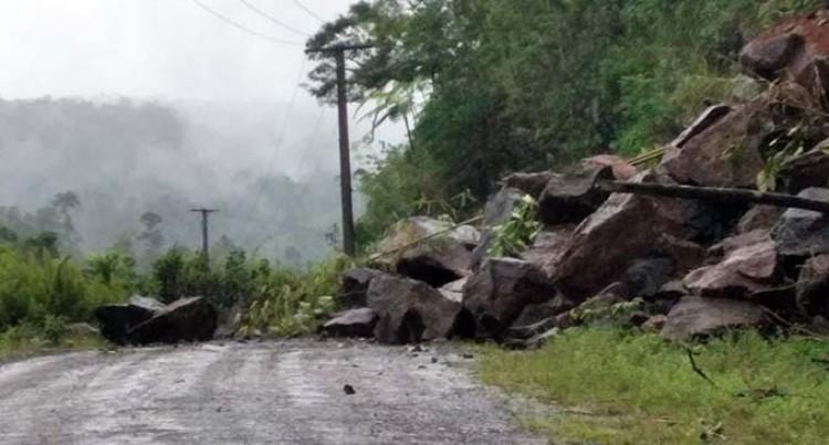 Fiji Roads Contractors Notified To Clear Landslide In Wailoa, Naitasiri