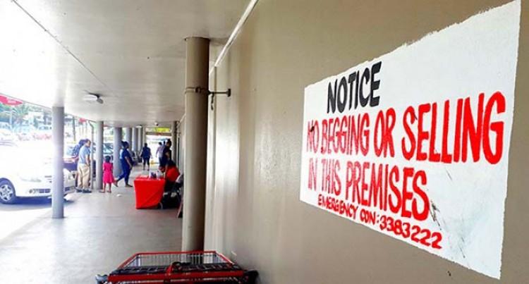 Headman Claims Children Begging Near Malls In Laucala Bay Are From Wailea And Jittu Estate