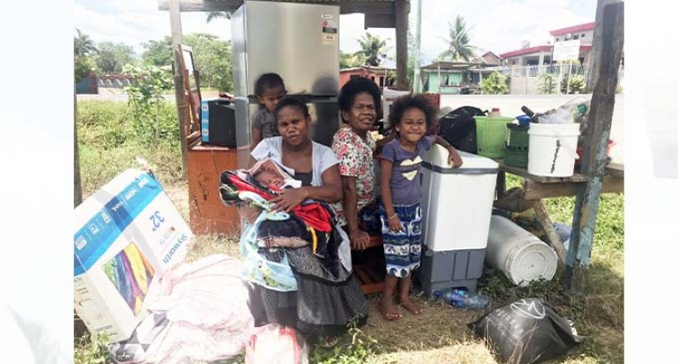 Family Of Seven On The Road, Evicted By Landlord