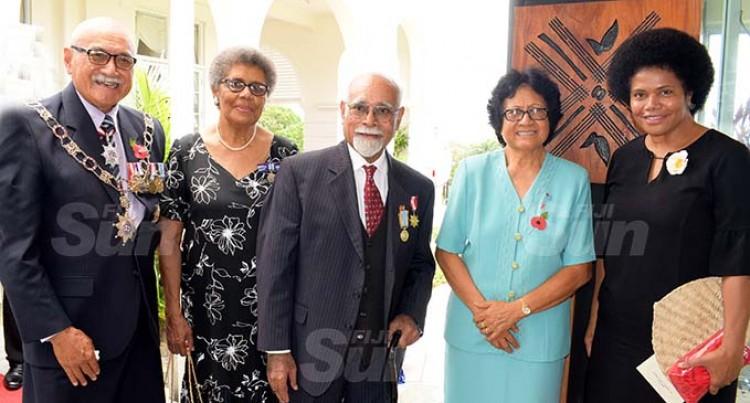 Qereqeretabua Dedicates Medal To His Wife