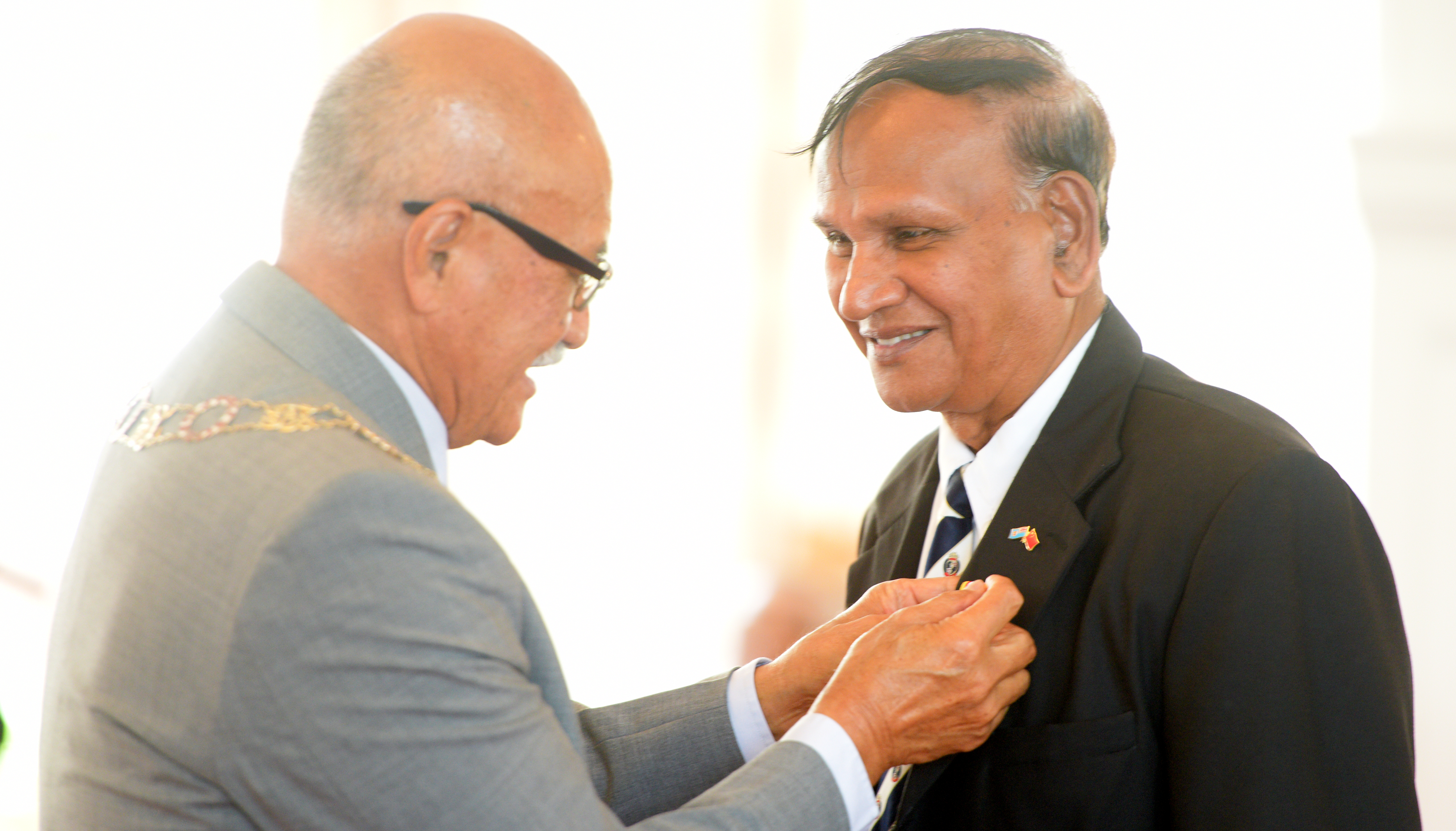President Jioji Konrote awards Krishan Vilash with 50th anniversary of Independence commemorative medal during special investiture ceremony at State House on October 13, 2020. Photo: Ronald Kumar.