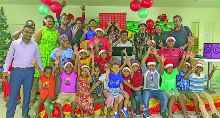 Lunch And Gifts For WOWS Fiji Children