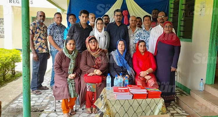 Khan Descendants Give Back To School