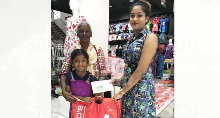 Good Samaritan Donates Money And Stationery