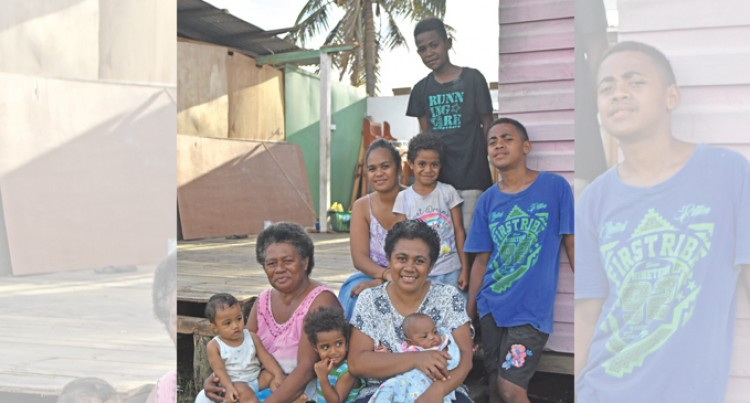 Half-Minute Phone Call Saves Family Of 10