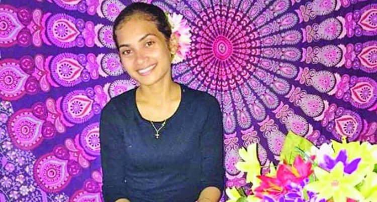Lautoka Entrepreneur Succeeds  In Floral Headpiece Business