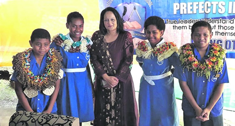 Minister Akbar Urges Parents And Teachers To Be Role Models