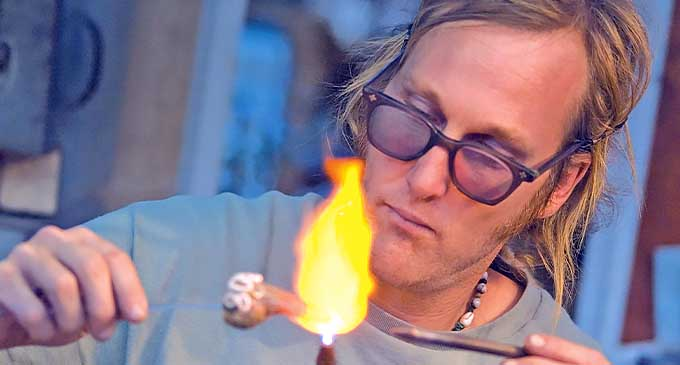 Andrew Malden - Glass Blowing Fiji