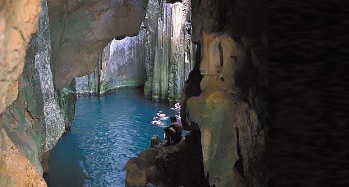 Sawau Caves. Image Source: https://www.awesomefiji.com/activities/explore-the-sawa-i-lau-caves/