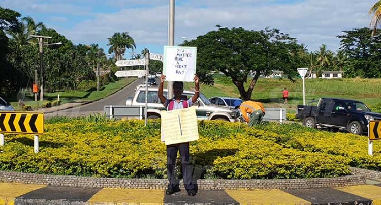 Shy Shay Spreads Hope At Lautoka Roundabout