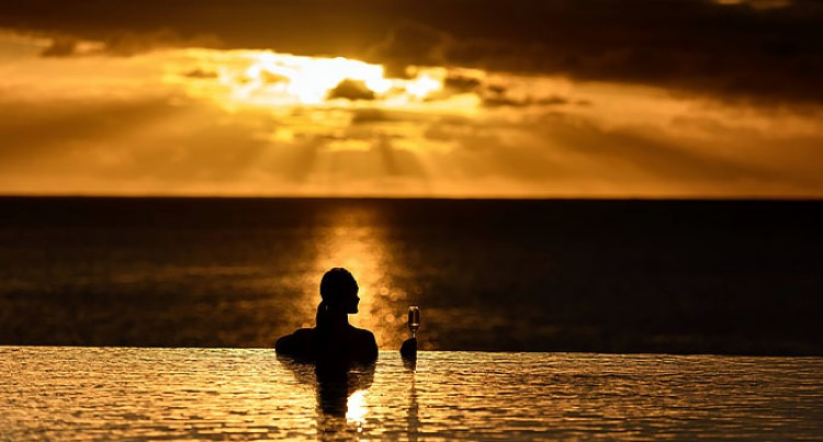 Let's Go Local: Momi Bay Sunsets, Namaka Lamb Curries