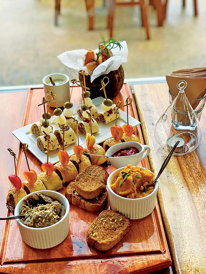Menu Sample and tasting platter. Photo: Michael Broadbridge.