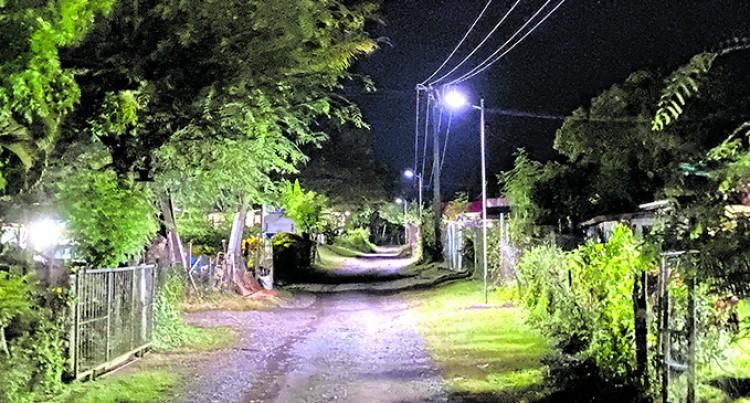 Al-Hamd Lights Up Settlement In Nawaka