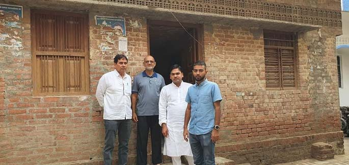From left: Niyaz, Hazeem Hussein, Wadood and Hamzah Hussein in India infront of Ali Hussain's house in 2020.