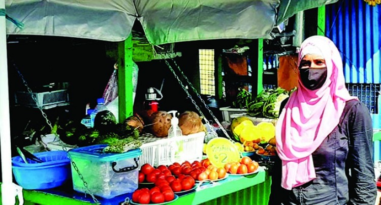 Wainadoi Vendors Depend On Roadside Sales