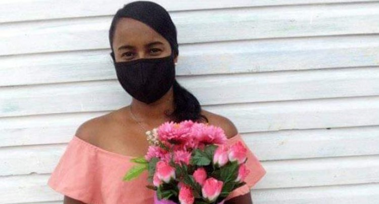 Tertiary Student Creates Hamper And Bouquet Gift Start Up Business