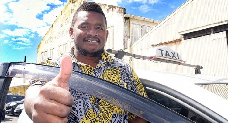 Honest Taxi Driver Returns Wallet Filled With Cash To Owner