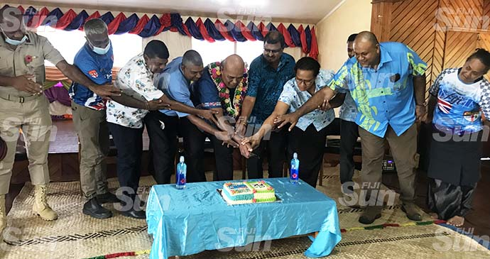 Commissioner Northern Uraia Rainima (middle) with stakeholders cut the cake to mark Fiji Day and end of crushing season in Labasa on October 8, 2021. Photo: Shratika Naidu